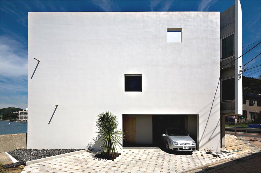 Contemporary-Holiday-Rental-Home-Japan-01