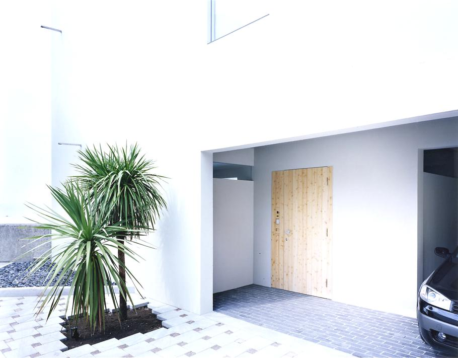 Contemporary-Holiday-Rental-Home-Japan-02