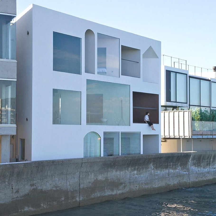 Contemporary-Holiday-Rental-Home-Japan-03