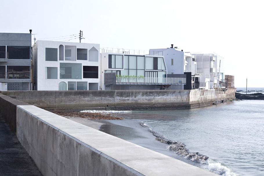 Contemporary-Holiday-Rental-Home-Japan-04