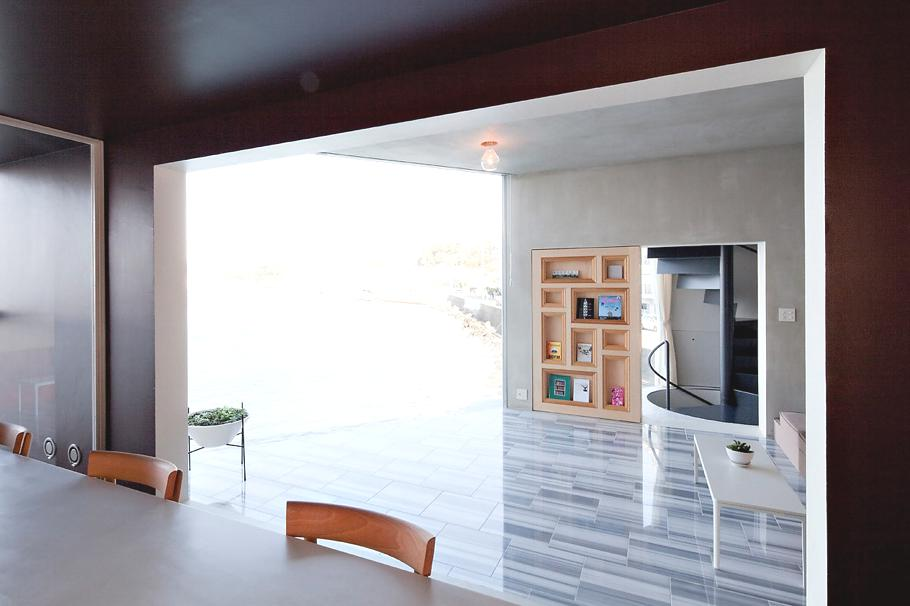 Contemporary-Holiday-Rental-Home-Japan-08