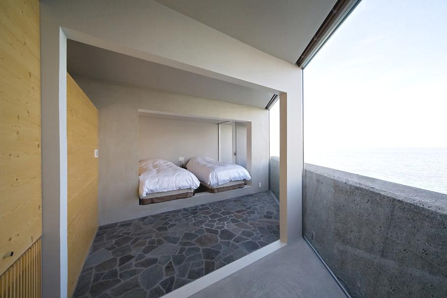 Contemporary-Holiday-Rental-Home-Japan-12