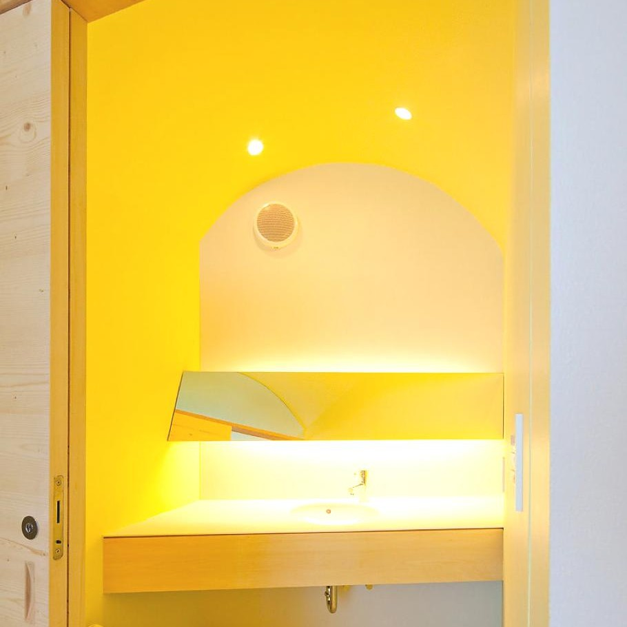 Contemporary-Holiday-Rental-Home-Japan-14
