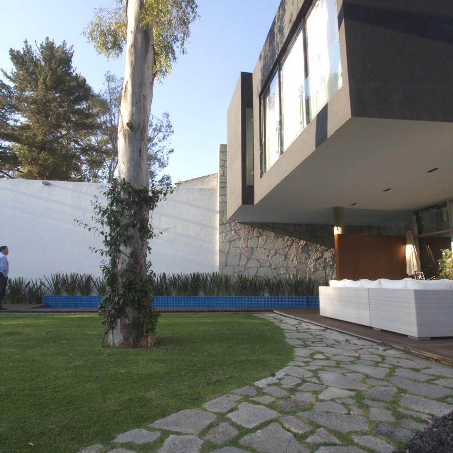 Contemporary-Home-Mexico-Block-House-02