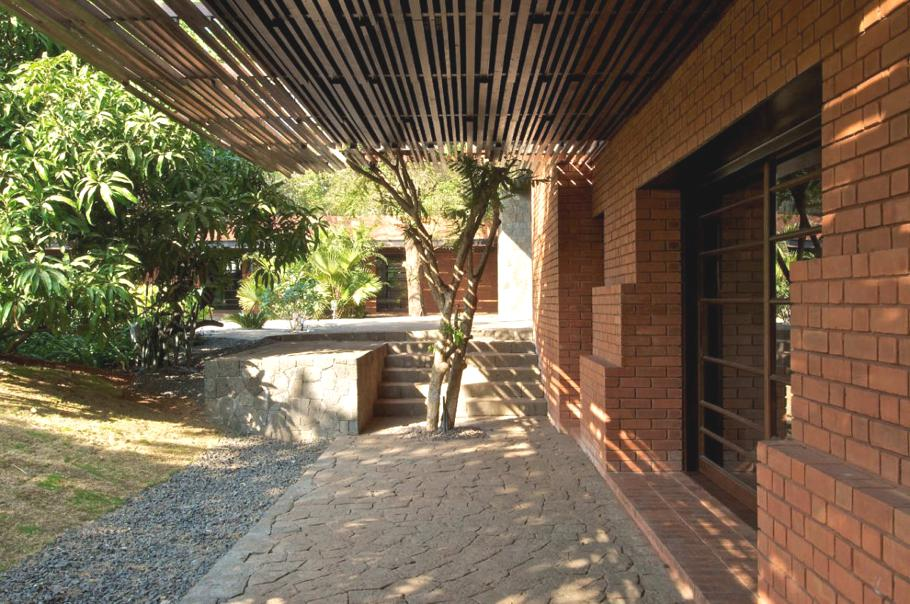 Contemporary-Indian-Home-04