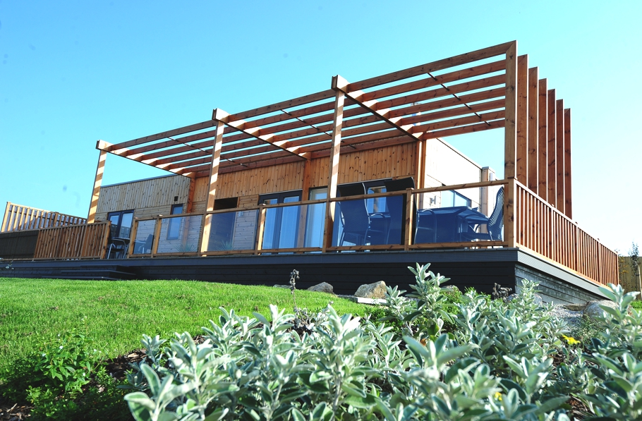 Luxury-Eco-Holiday-Lodges-England-21