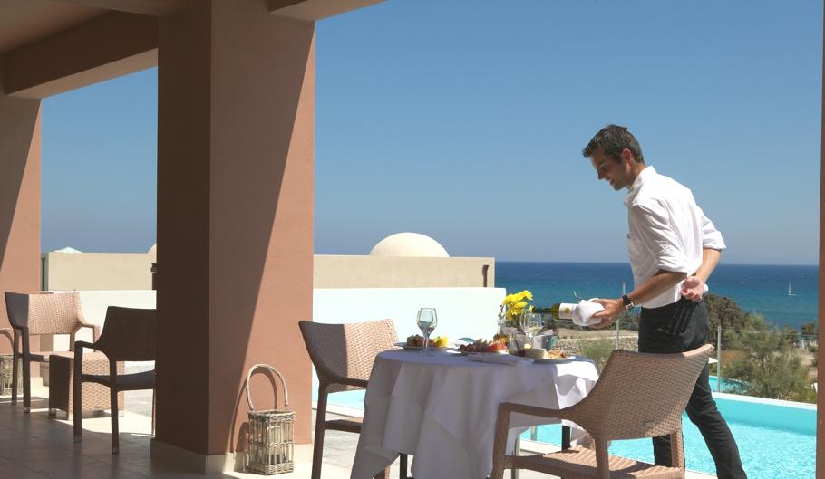 Luxury-Greek-Hotel-02