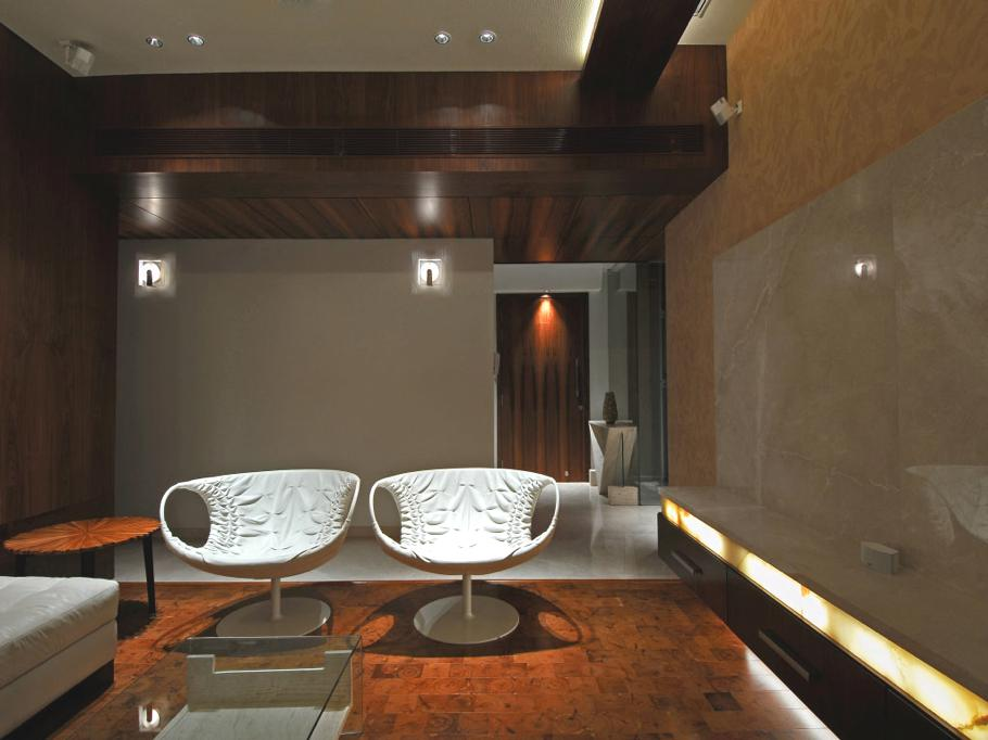Luxury-Mumbai-Apartment-India-03