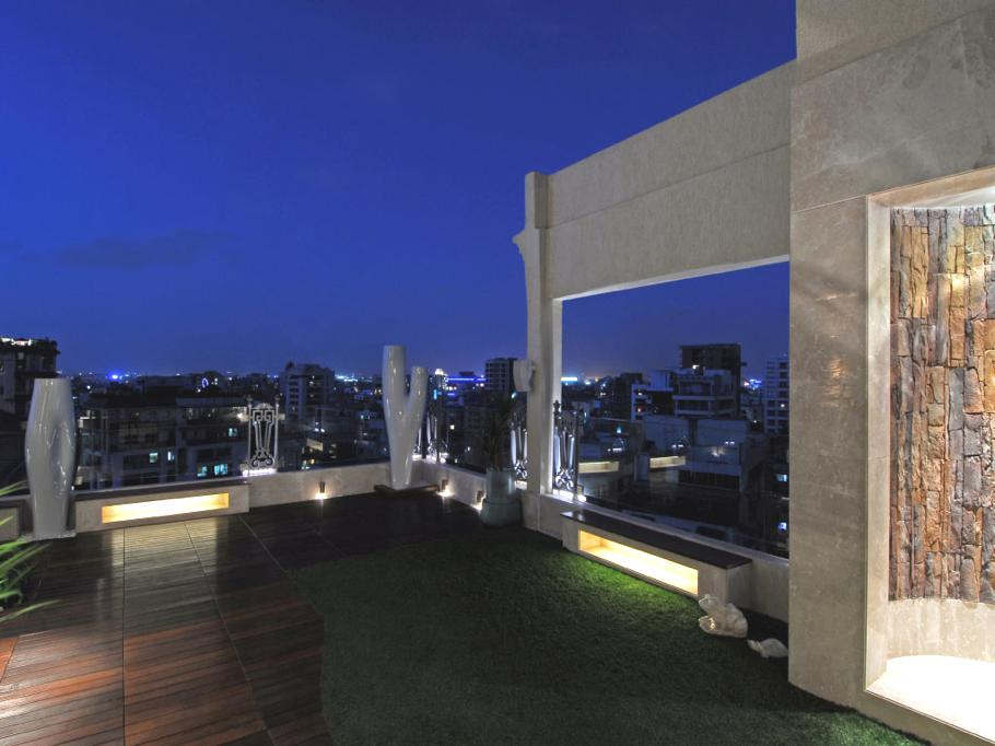 Luxury-Mumbai-Apartment-India-12