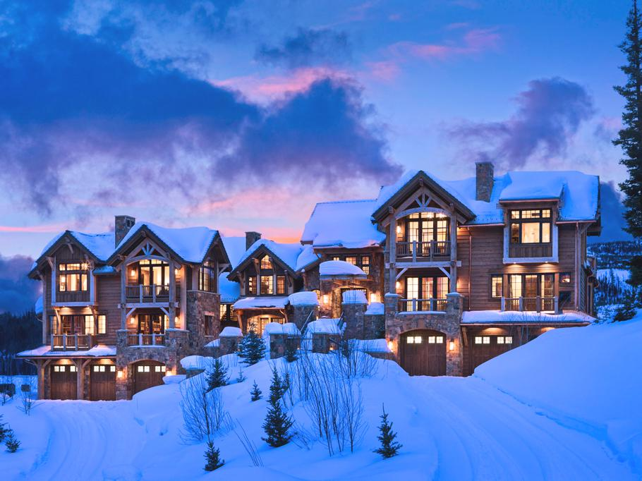 Luxury-Slopeside-Chalets-Montana-01