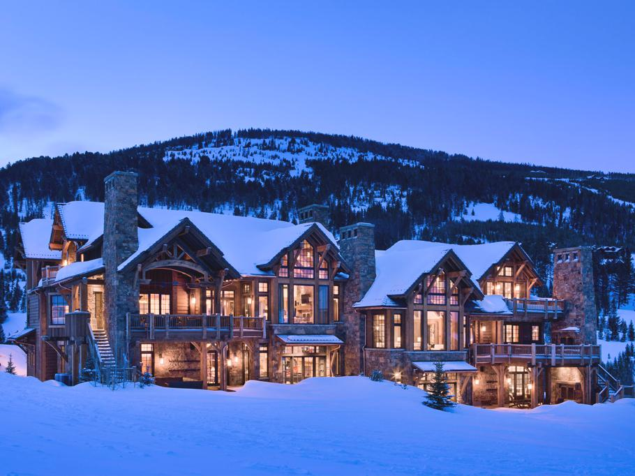 Luxury-Slopeside-Chalets-Montana-02