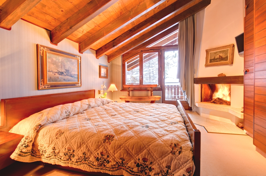 Luxury-Swiss-Chalet-09