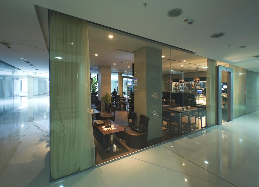 Contemporary-Cafe-Montenegro-15