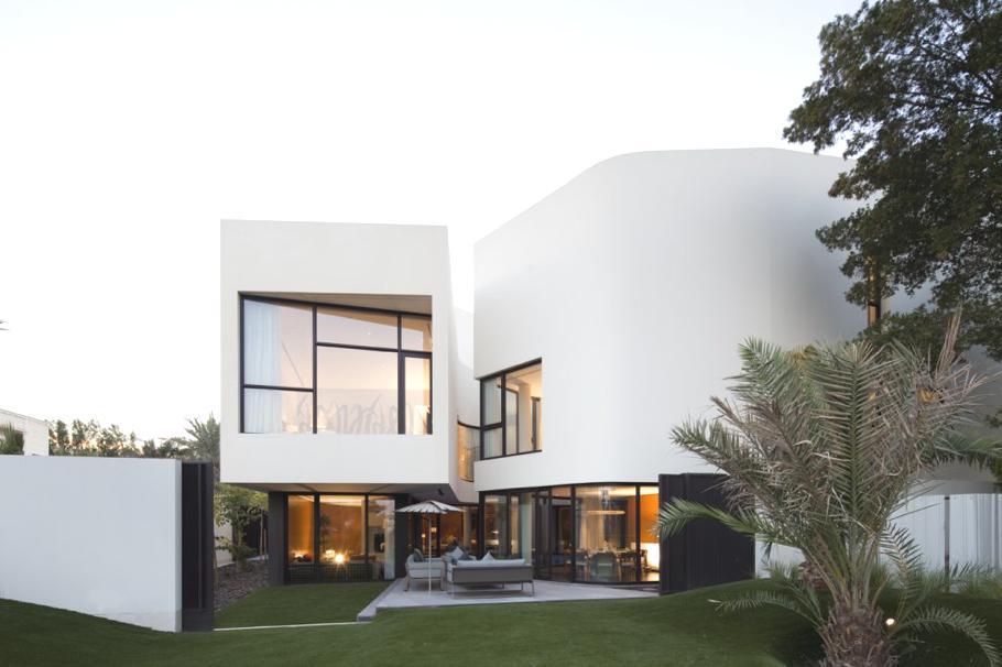 Contemporary-Home-Kuwait-01