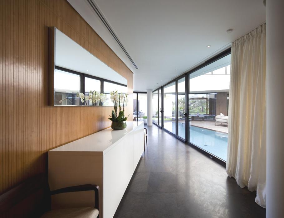 Contemporary-Home-Kuwait-06
