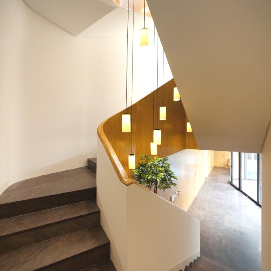 Contemporary-Home-Kuwait-10