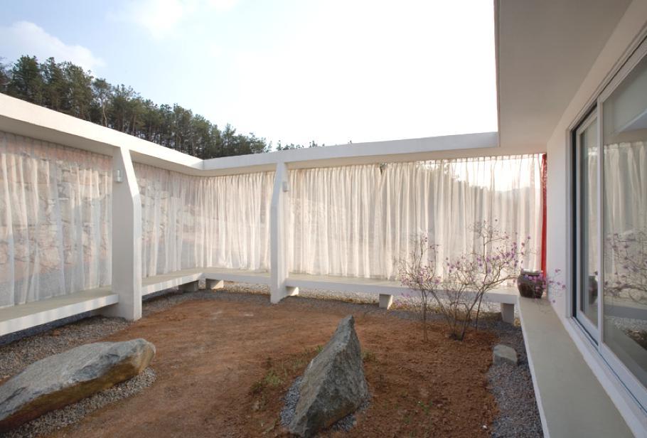 Contemporary-Home-South-Korea-09