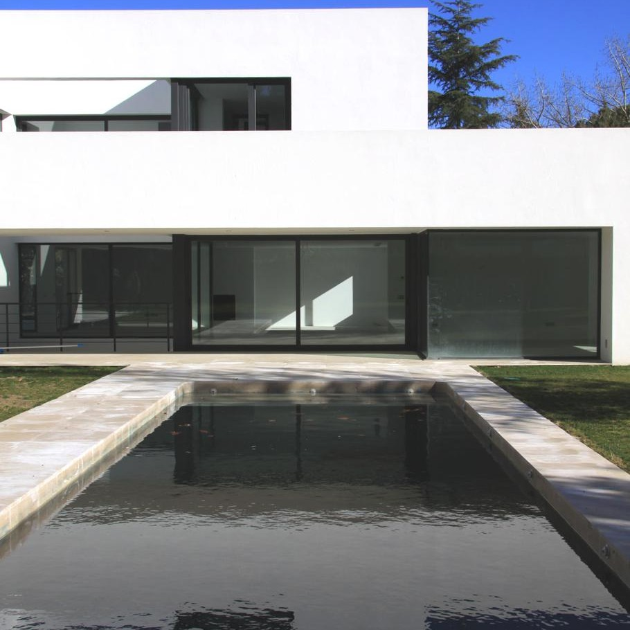 Contemporary-Property-Madrid-03