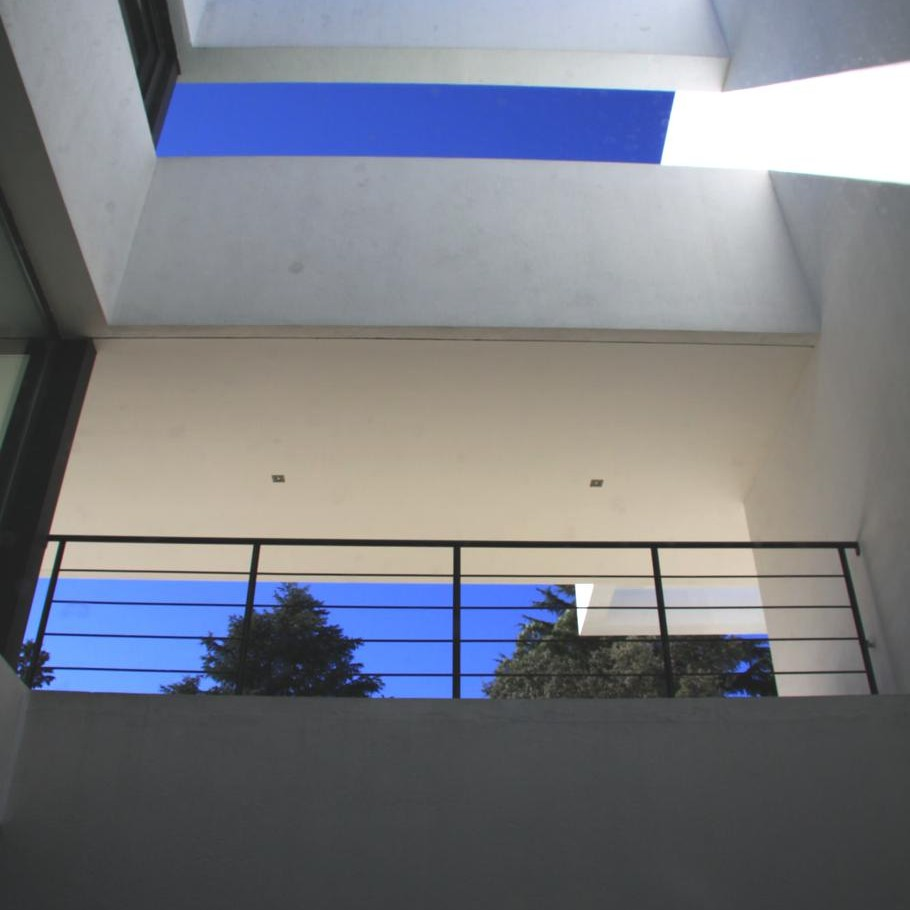 Contemporary-Property-Madrid-04