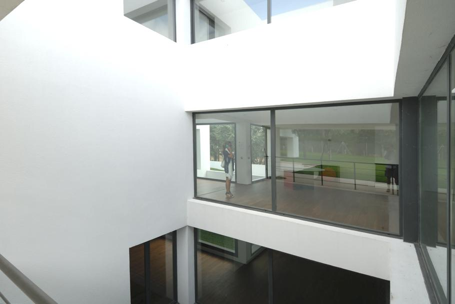 Contemporary-Property-Madrid-07