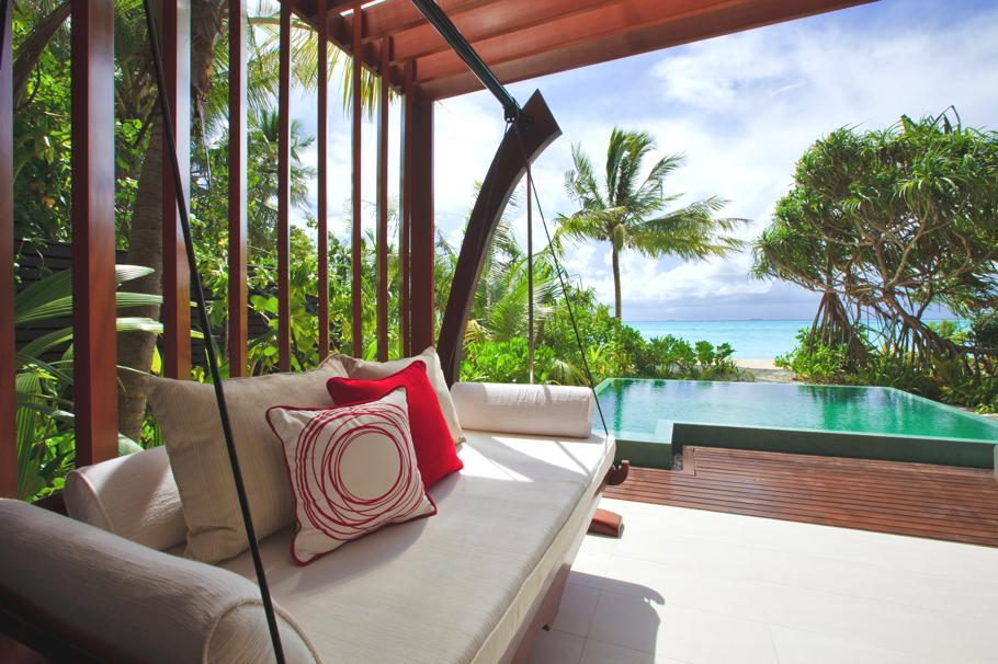 Luxury-Resort-Maldives-05