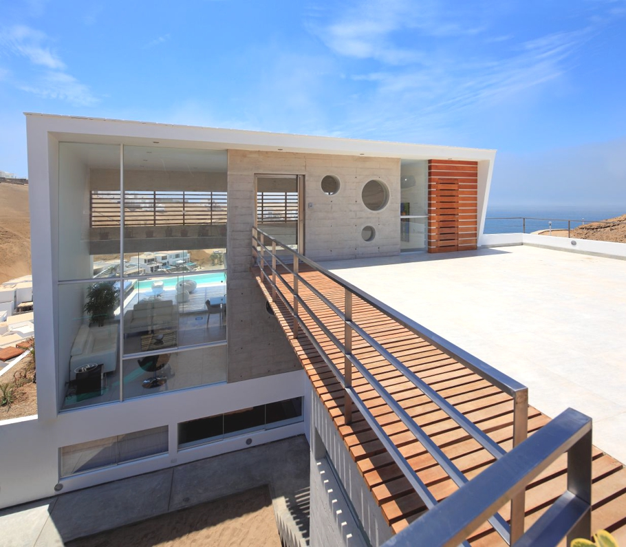 Contemporary-Beach-House-Peru-02-jpg