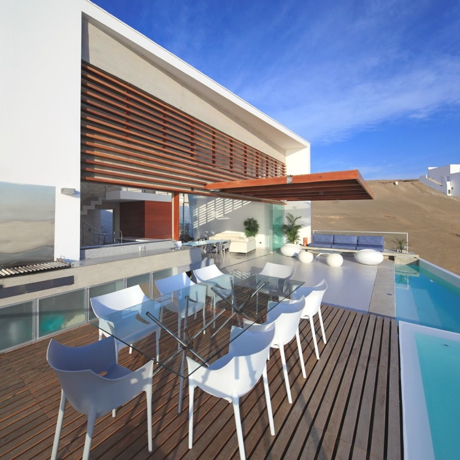 Contemporary-Beach-House-Peru-04-jpg