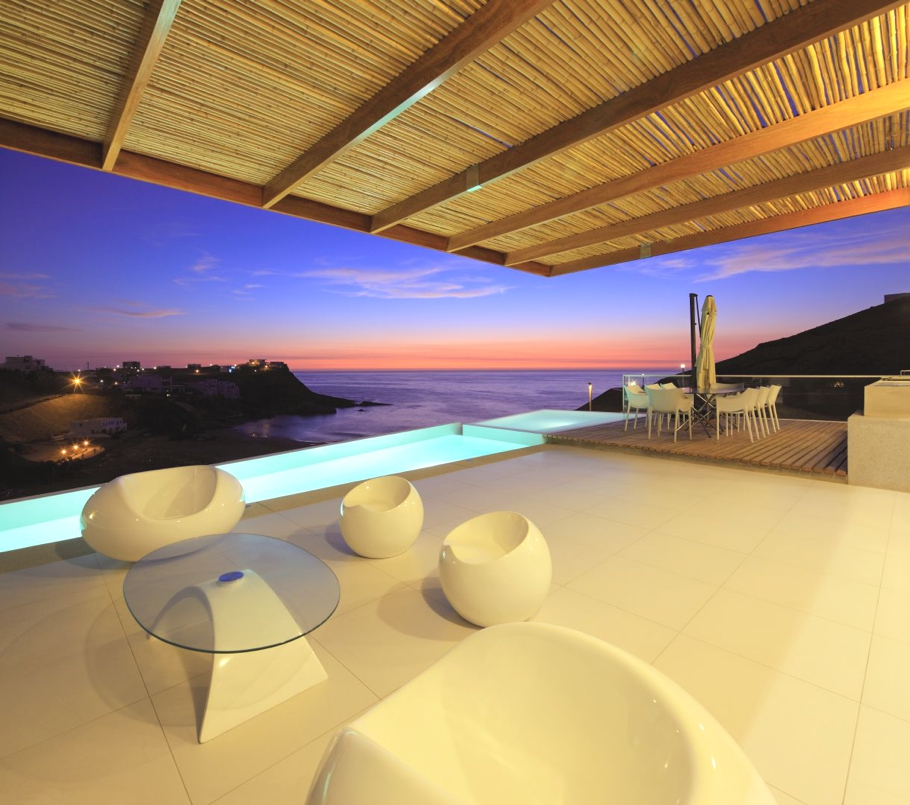 Contemporary-Beach-House-Peru-13-jpg