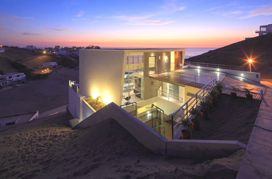 Contemporary-Beach-House-Peru-15-jpg