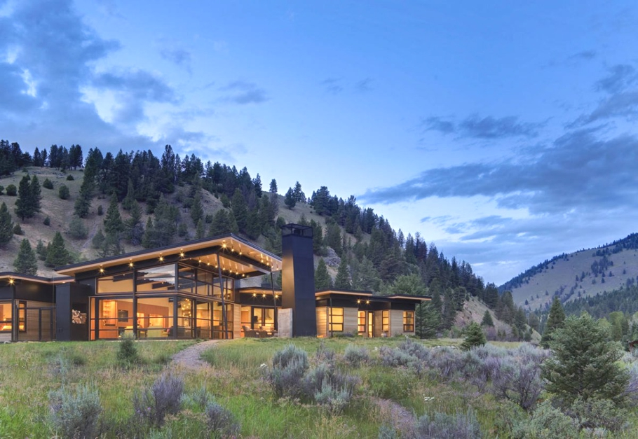 Contemporary-Home-Montana-00