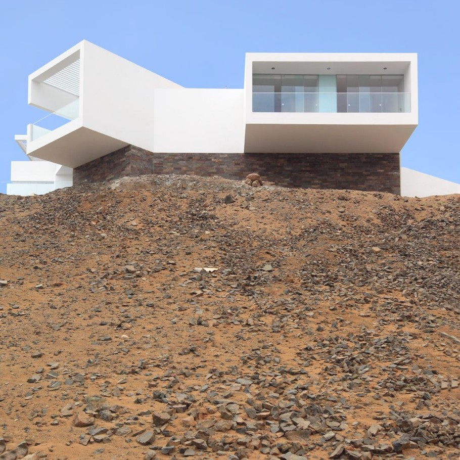 Contemporary-Property-Lima-02