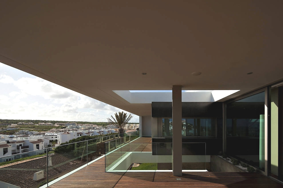 Contemporary-Property-Portugal-07