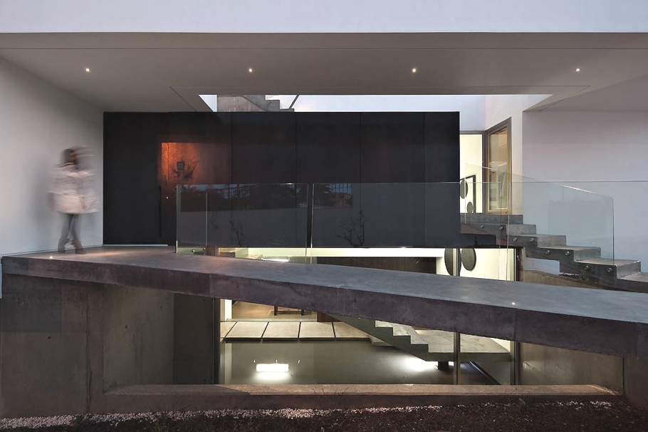 Contemporary-Property-Portugal-11