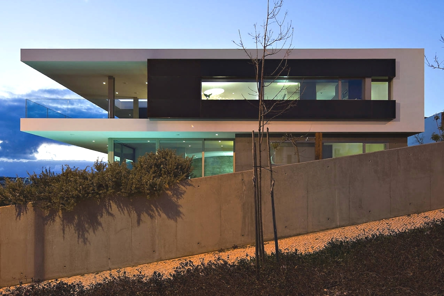 Contemporary-Property-Portugal-13