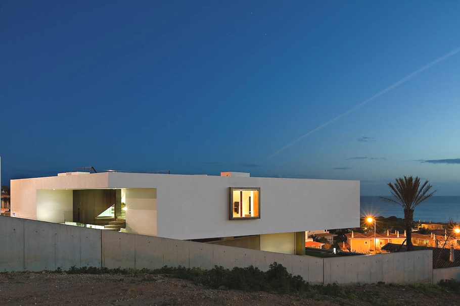Contemporary-Property-Portugal-14