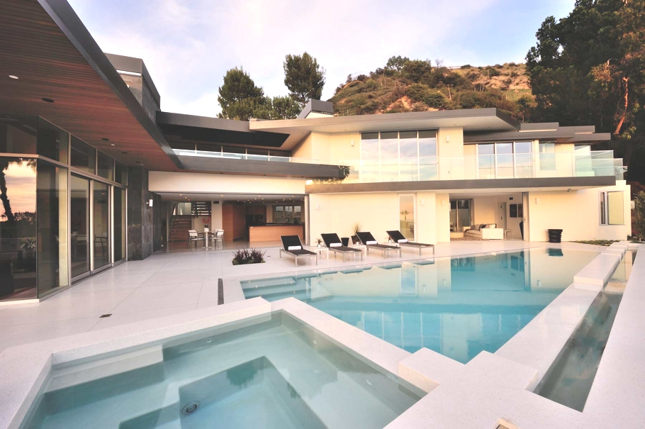 Luxury-Hollywood-Property-00