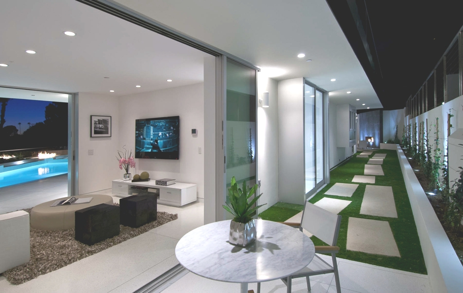 Luxury-Hollywood-Property-11