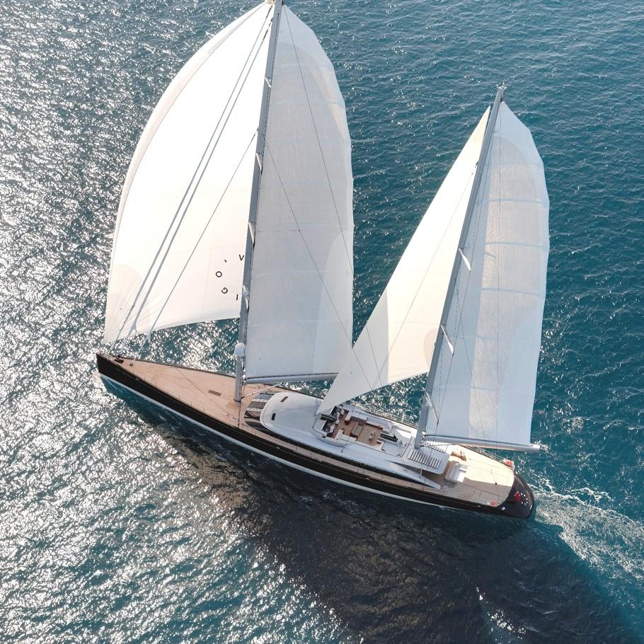 Luxury-Yacht-Vertigo-01