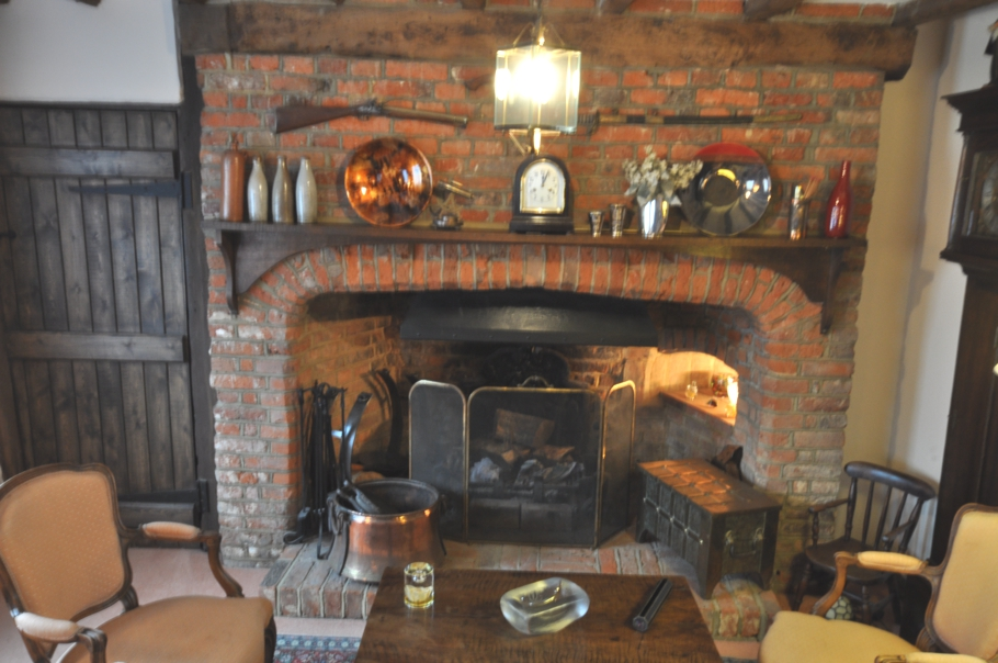 Traditional-English-Cottage-06