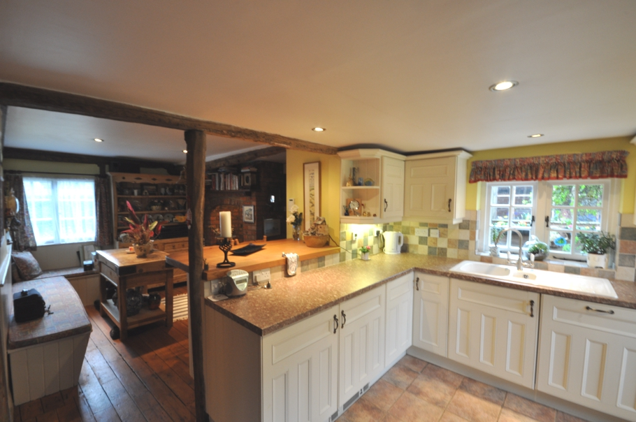 Traditional-English-Cottage-13