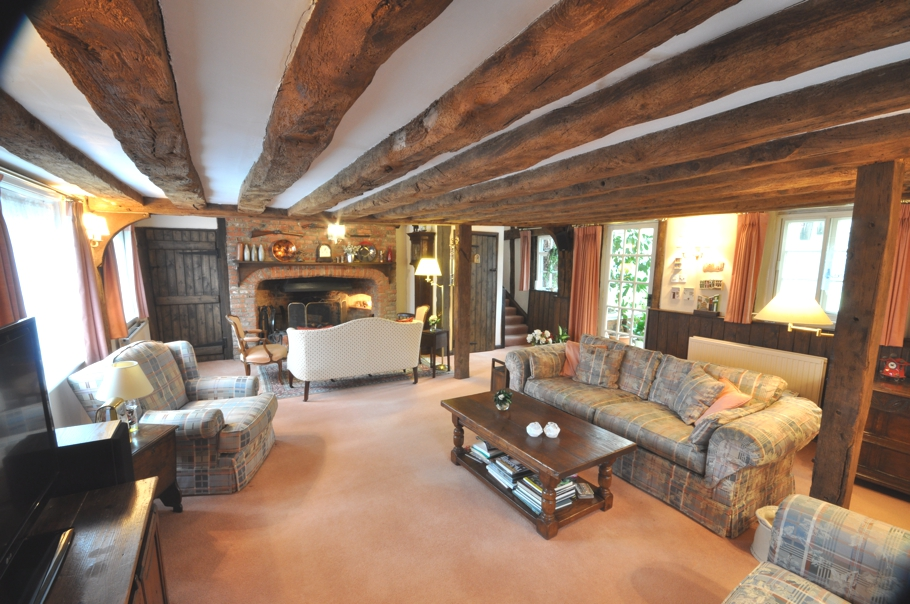 Delightful english cottage adelto adelto for Great british interior design