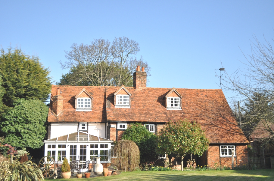 Traditional-English-Cottage-15