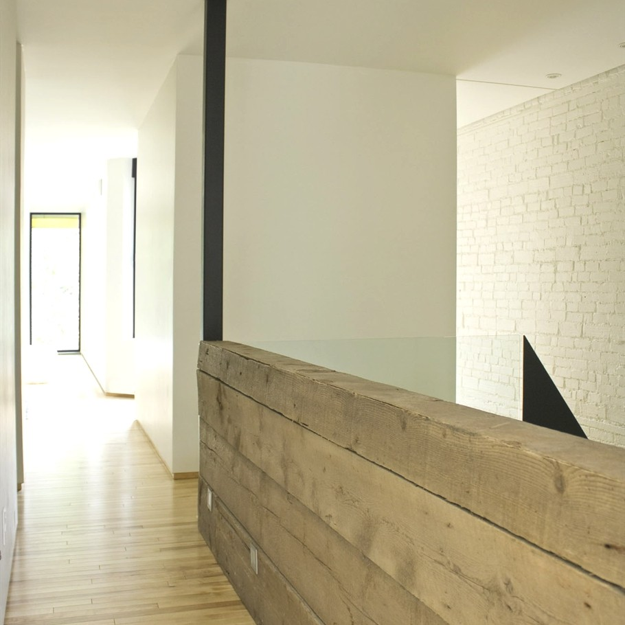 Contemporary-Apartment-Montreal-10