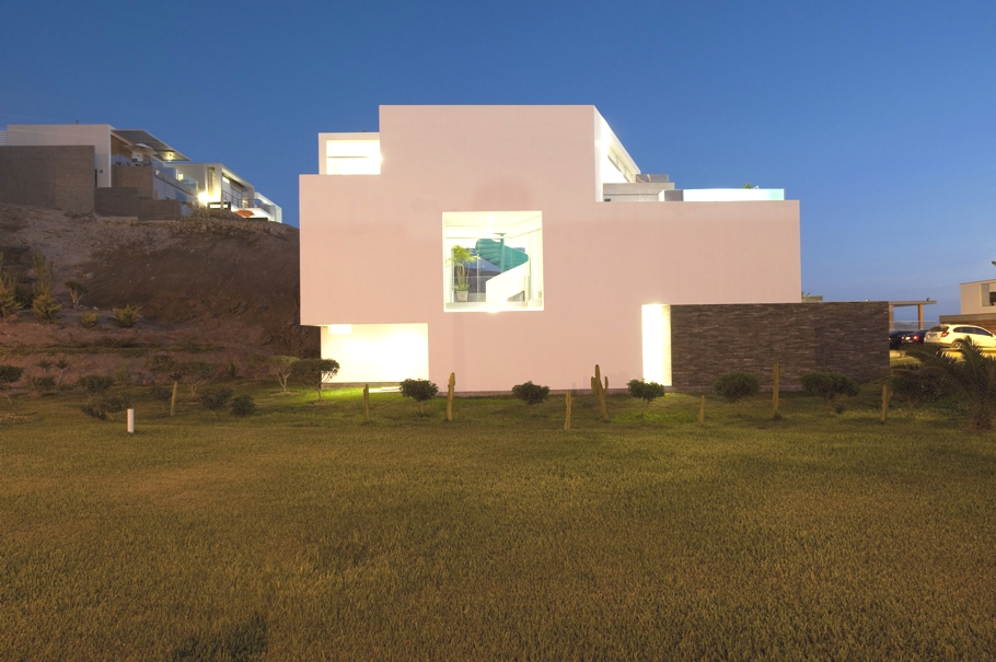 Contemporary-Beach-Property-Peru-12