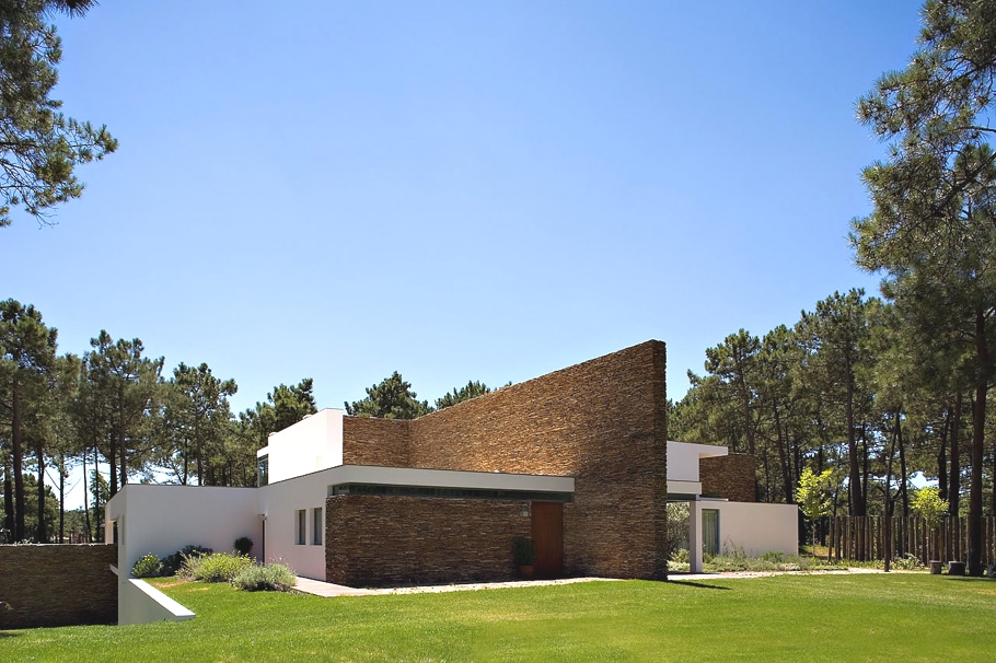 Contemporary-Property-Portugal -00