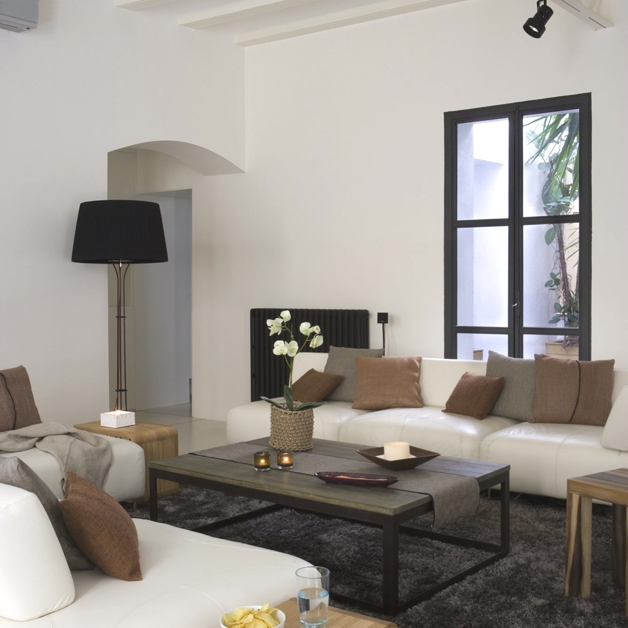 Contemporary-Spanish-Apartment-Barcelona-01