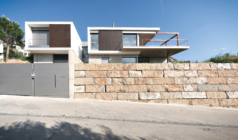 Contemporary-Spanish-Property-01