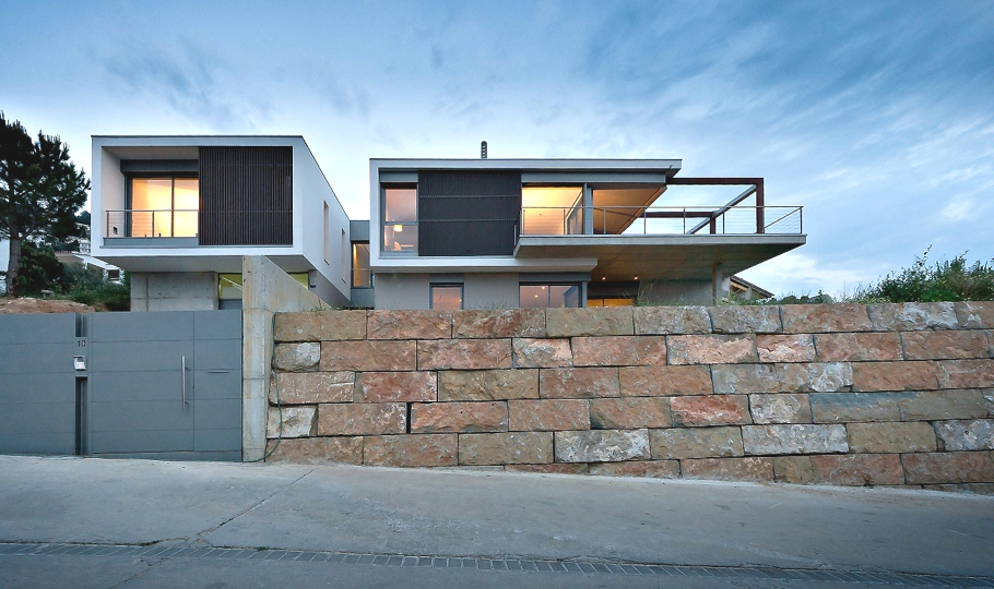 Contemporary-Spanish-Property-02