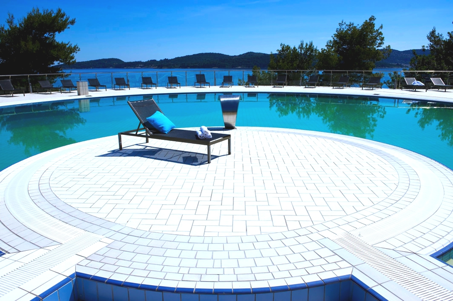 Luxury-Holiday-Homes-Croatia-06