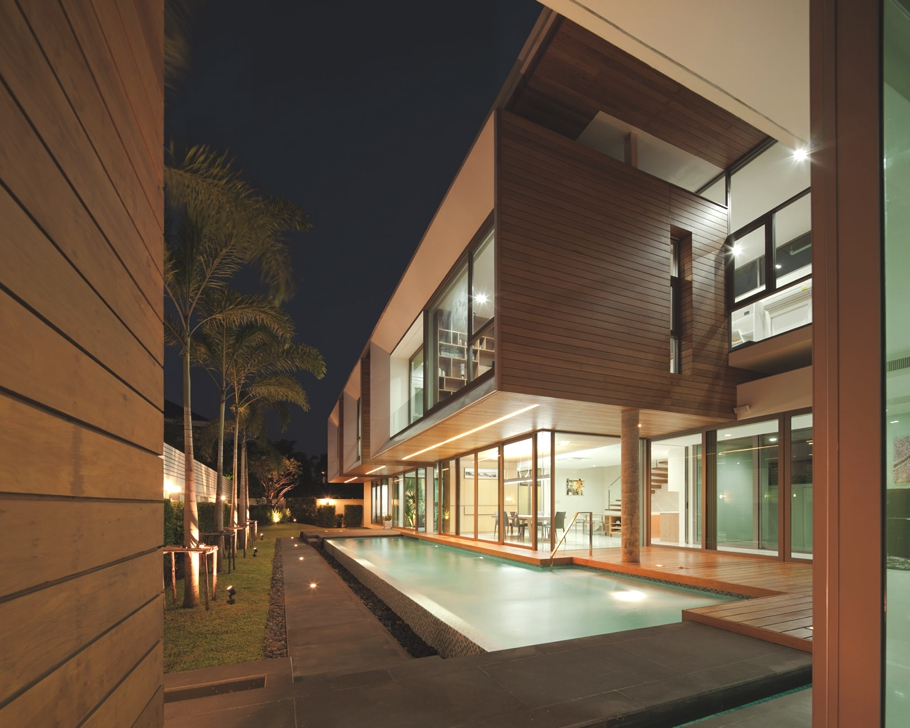 Luxury-Thai-Property-Bangkok-01